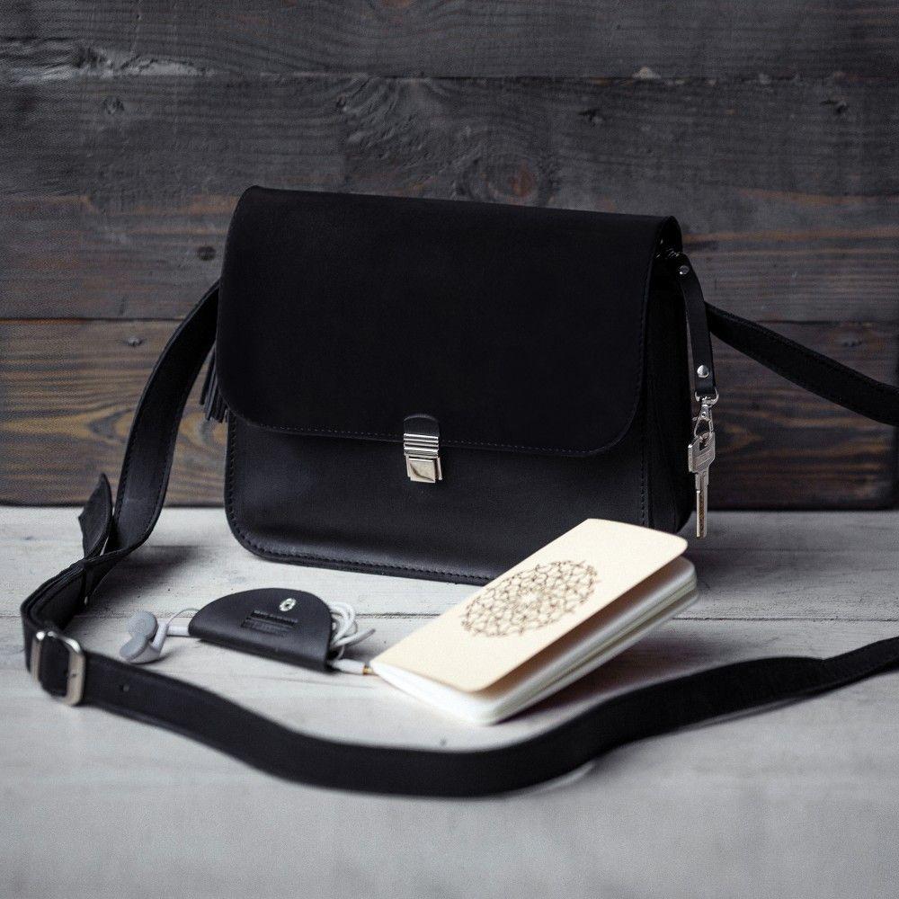 Кожаная черная сумка с замшевыми элементами Амели BlankNote