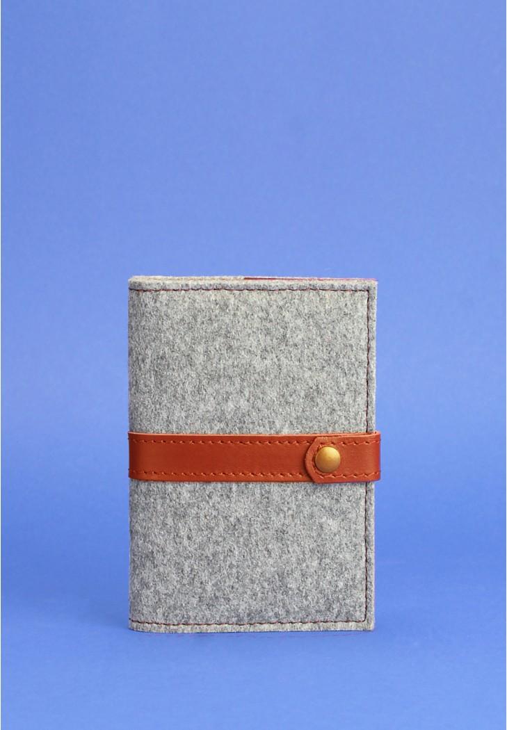 Фото Фетровая обложка для паспорта 1.1 с кожаными коричневыми вставками