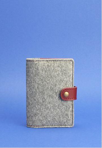 Фетровая обложка для паспорта 3.0 с кожаными бордовыми вставками