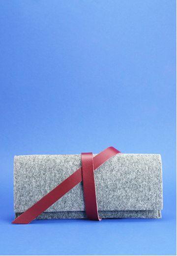 Тревел-кейс женский 1.0 из фетра с кожаными бордовыми вставками