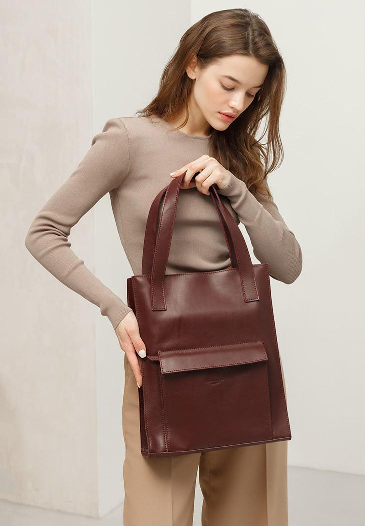 Фото Кожаная женская сумка шоппер Бэтси с карманом бордовая Краст