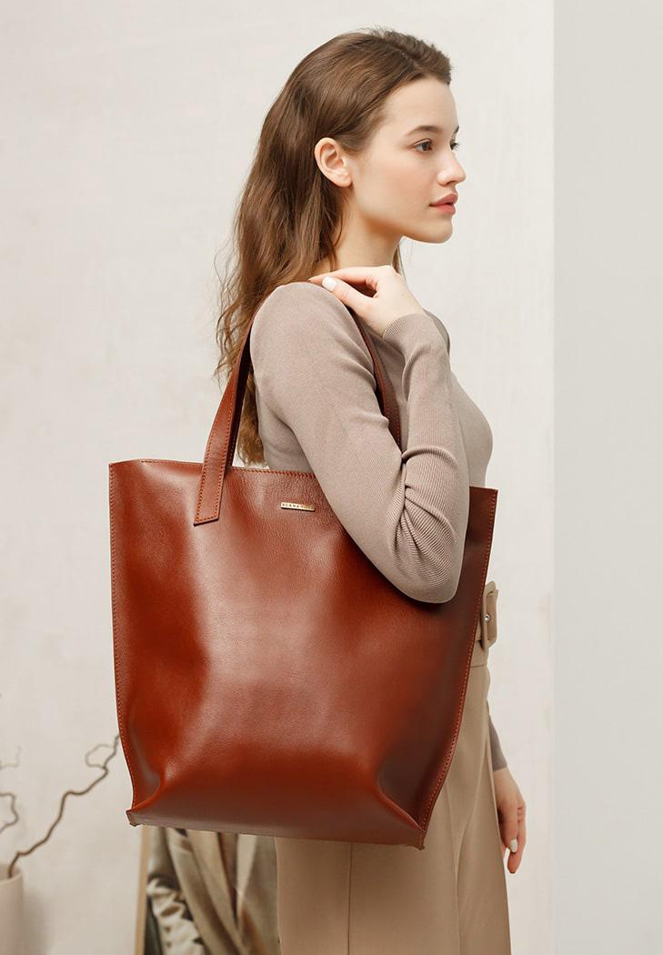 Фото Кожаная женская сумка шоппер D.D. светло-коричневая