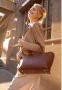 Фото Женская кожаная сумка Midi светло-коричневая