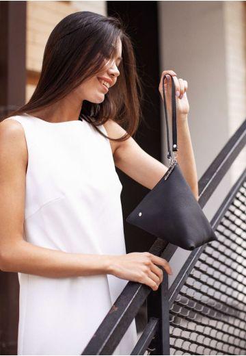 Кожаная женская сумка-косметичка Пирамида черная