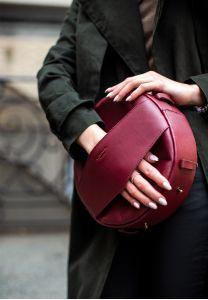 Круглая сумка-рюкзак maxi Виноград