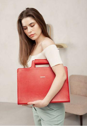 Женская кожаная сумка для ноутбука и документов красная