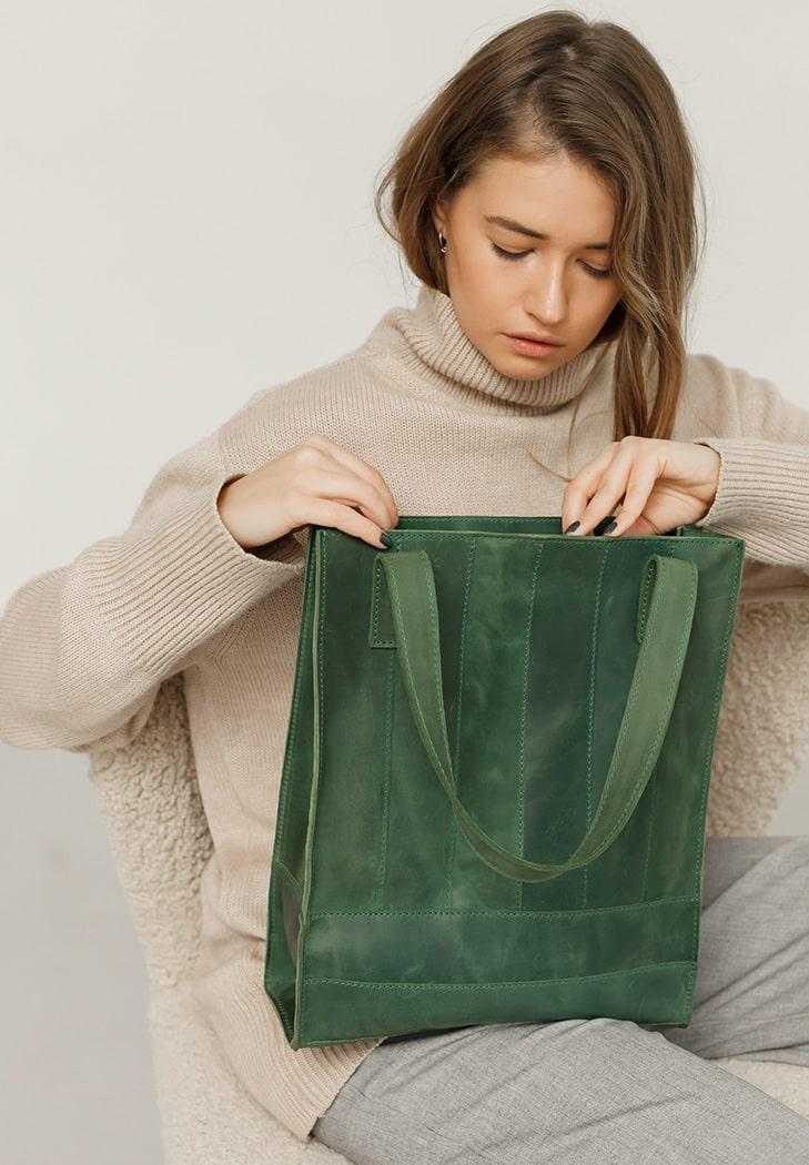 Фото Кожаная женская сумка шоппер Бэтси зеленая
