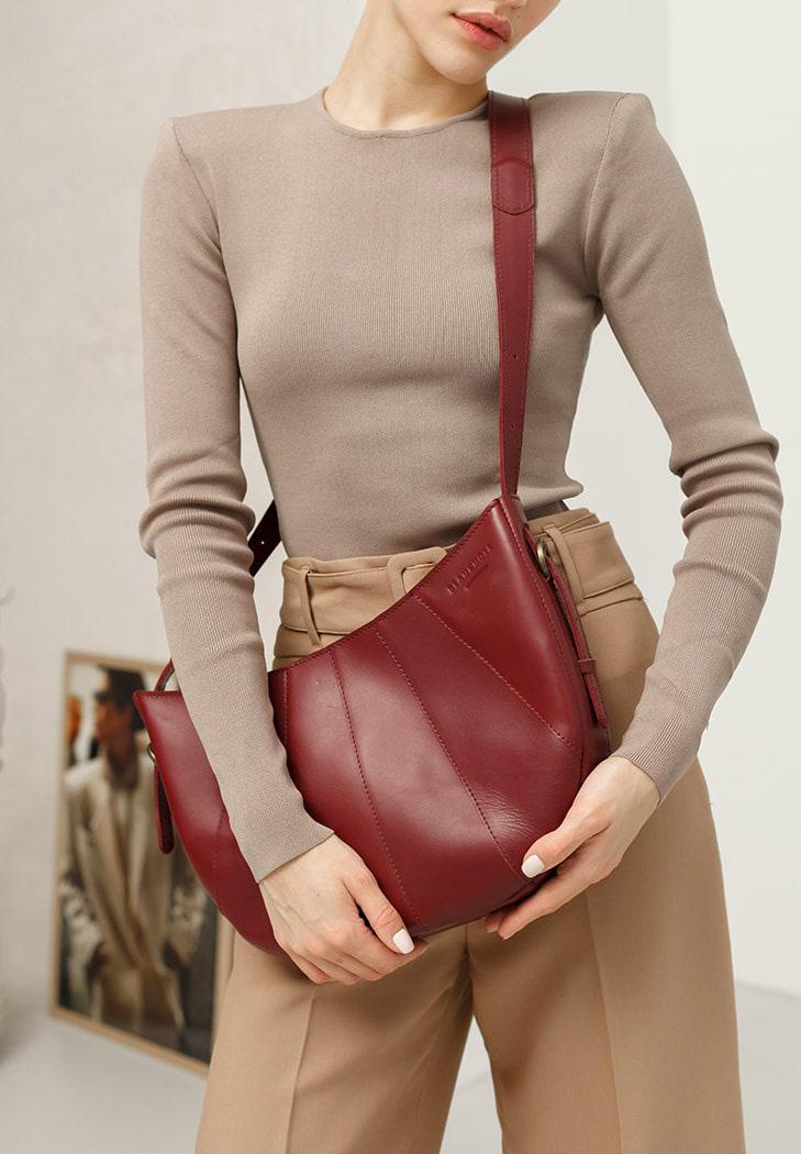 Фото Кожаная женская сумка Круассан Krast бордовая
