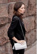 Фото Белая кожаная женская сумка Элис