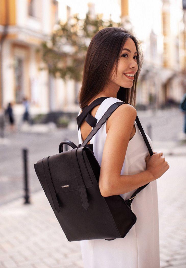 Фото Женский кожаный черный рюкзак Blackwood