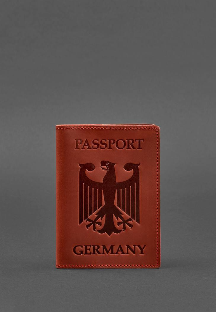 Фото Кожаная обложка для паспорта с гербом Германии коралл Crazy Horse (BN-OP-DE-coral)