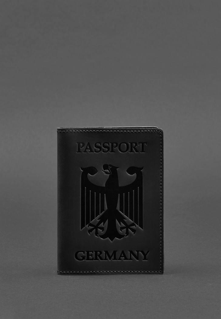 Фото Кожаная обложка для паспорта с гербом Германии черная Crazy Horse (BN-OP-DE-g-kr)
