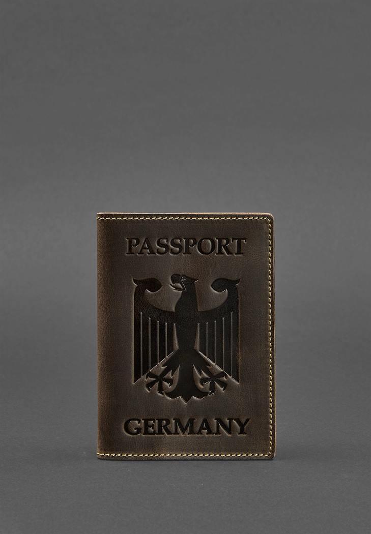 Фото Кожаная обложка для паспорта с гербом Германии темно-коричневая Crazy Horse (BN-OP-DE-o)