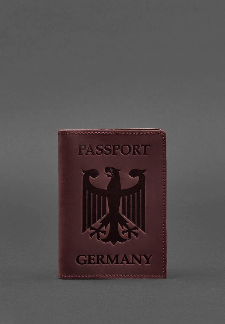 Фото Кожаная обложка для паспорта с гербом Германии бордовая Crazy Horse (BN-OP-DE-vin)