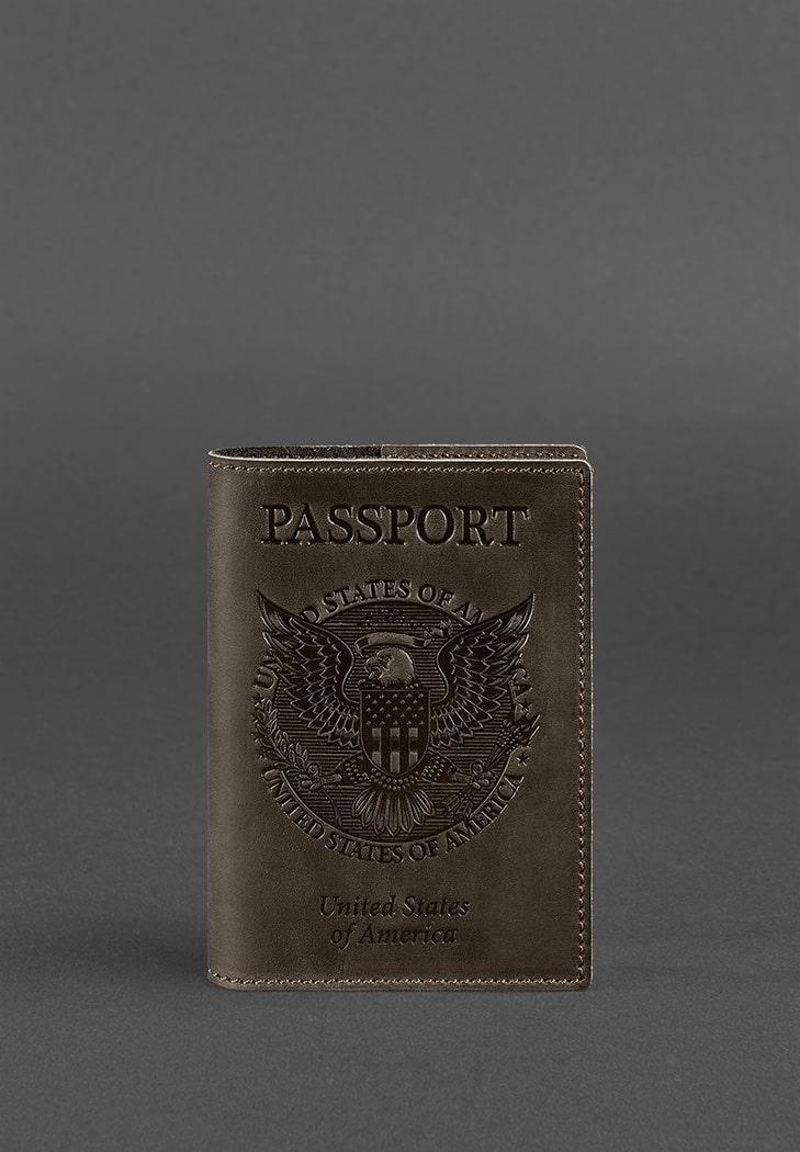 Фото Кожаная обложка для паспорта с американским гербом темно-коричневая