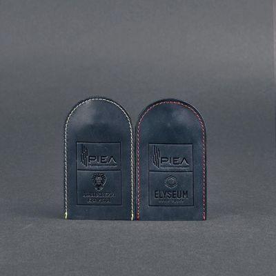 Строительная корпорация PIEL позаботилась о том, чтобы жильцы новостроек «Львовский квартал» и «Elyseum» ходили с красивыми кожаными ключницами от BlankNote. Благодаря их функциональности можно не переживать за то, что ключи могут порвать карманы в вашей одежде, поцарапать вашу сумку или вещи, которые в ней лежат.